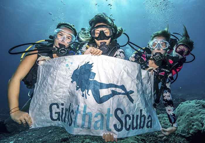 Girls that Scuba Scubaing